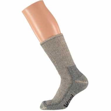 Extra warme grijze sokken maat /