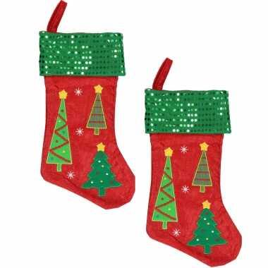 X stuks rood/groene kerstsokken kerstbomen