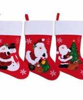 Rode kerstsokken kerstman sneeuwpop