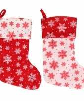 X stuks rood witte kerstsokken sneeuwvlokken